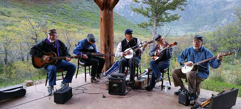 gateway-canyons-playing-in-the-band