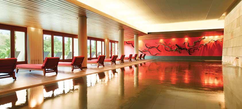 lux1539po-109651-spa-vinotherapie-r-caudalie-swimming-pool