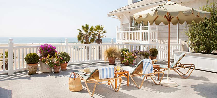 Shutters-on-the-Beach---Pool-Chairs